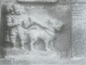 Sculpture showing Chola solider with his Kombai war dog